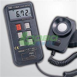 TES-1336A中国台湾泰仕记忆式数字照度计